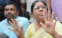 बिहार की पूर्व मंत्री मंजू वर्मा ने सरेंडर किया