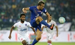 मुम्बई सिटी एफसी ने दिल्ली को बराबरी पर रोककर शीर्ष स्थान बरकार रखा