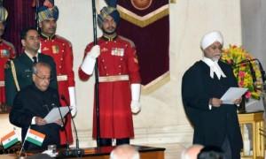 भारत के 44वें प्रधान न्यायाधीश के रूप में न्यायमूर्ति जगदीश सिंह खेहर ने शपथ ली