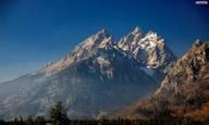 ऊँचे  पहाड़ों  पर  चढ़ना