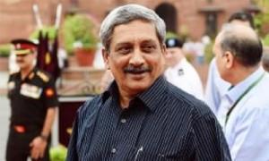 रक्षामंत्री पर्रिकर के जन्मदिन केक पर बोफोर्स तोप और अर्जुन टैंक शोभा बढ़ाएंगे
