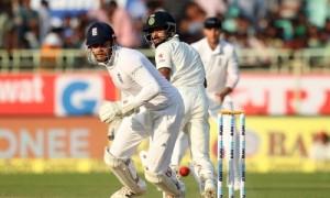 विराट कोहली ने बनाया अर्धशतक, भारत की दूसरी पारी में बढ़त 298 रन