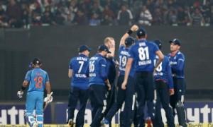 संघर्षभरे मैच में भारत को इंग्लैंड के हाथों 5 रन से मिली हार, भारत ने सीरीज 2-1 से जीती
