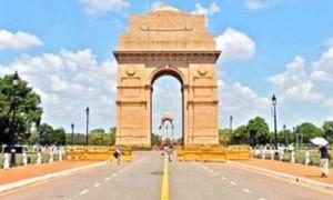 राजधानी दिल्ली में धुंध भरी सुबह, मौसम रहेगा साफ़