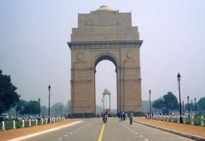 राजधानी दिल्ली में धुंधभरी सुबह