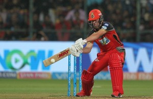 डिविलियर्स तूफान में उड़ी दिल्ली, बेंगलोर की दूसरी जीत