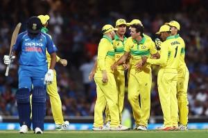 रोहित का संघर्षभरा शतक बेकार, पहले वनडे में ऑस्ट्रेलिया से 34 रन से हारा भारत