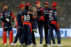 दिल्ली ने चेन्नई को 34 रनों से हराकर पहले स्थान से रोका