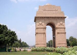 राजधानी दिल्ली में बदली छाई, वायु गुणवत्ता का स्तर गंभीर