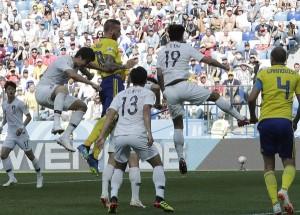 स्वीडन फीफा विश्व कप में कप्तान ग्रैंक्विस्ट के पेनाल्टी गोल से जीता