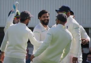 अपने आखिरी टेस्ट में कुक जमे, इंग्लैंड ने भोजनकाल तक बनाये 68/1 रन