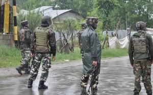 जम्मू कश्मीर के पुलवामा में तीन आतंकी ढेर
