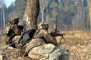 जम्मू-कश्मीर के बारामुला में आतंकियों और सुरक्षाबलों की मुठभेड़ में दो आतंकी ढेर