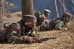 सुरक्षा बलों और आतंकवादियों के बीच जम्मू एवं कश्मीर में मुठभेड़ जारी