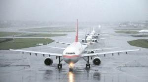 भारी बारिश से मुंबई में उड़ानें प्रभावित