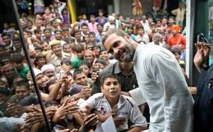 राहुल गाँधी गुजरात दौरे पर पहुंचे, अल्पेश ठाकुर कांग्रेस में होंगे शामिल