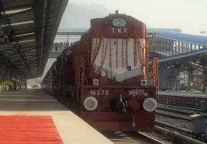 रेलवे त्योहारों में 4,000 विशेष रेलगाड़ियां चलाएगा