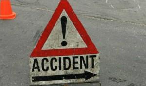 दिल्ली में सड़क दुर्घटना में दो छात्रों की मौत, तीन घायल