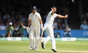 तीसरे दिन भोजनकाल तक इंग्लैंड ने 89/4 रन बनाये