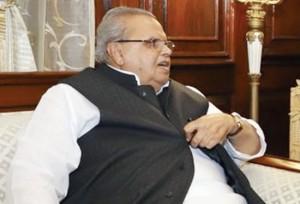 जम्मू कश्मीर के गवर्नर राजनीतिक दलों के निशाने पर