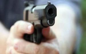 दिल्ली के मयूर विहार में बाइक सवार की गोली मारकर हत्या