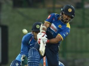 सिरिवर्दना के जुझारू अर्धशतक की बदौलत श्रीलंका ने भारत को दिया 237 का लक्ष्य