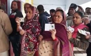 उप्र निकाय चुनाव के अंतिम चरण के लिए मतदान जारी