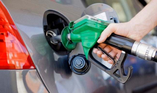 पेट्रोल-डीजल के दाम में फिर बढ़ोतरी, आम जनता की परेशानी जारी